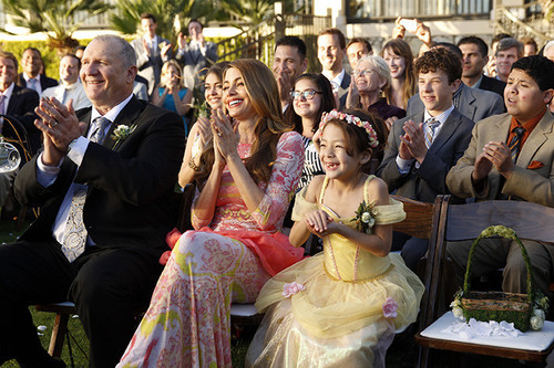 zap-modern-family-season-5-finale-the-wedding--009