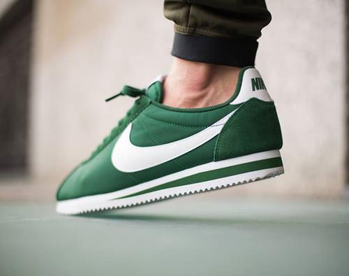 nike-cortez-gorge-green-00.jpg