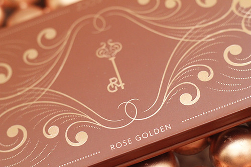 zoeva_rose_golden_eyeshadow_palette03.jpg