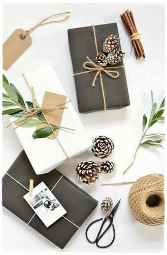 5 simple gift wrap ideas.jpg