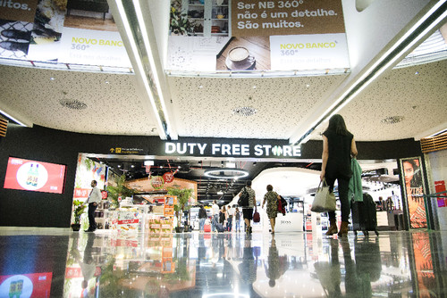 Entrada DUTY FREESTORE - Copy.jpg