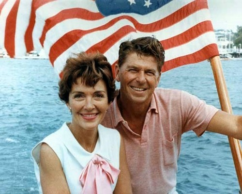 Ronald_Reagan_and_Nancy_Reagan_aboard_a_boat_in_Ca