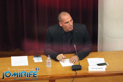 Conferência de Yanis Varoufakis sobre «Democratizar a zona Euro» na Universidade de Coimbra no dia 17 de outubro de 2015 - Debate com o público [en] Yanis Varoufakis Conference about