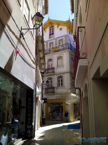 Ruas estreitas da baixa de Coimbra [en] Narrow streets of downtown Coimbra in Portugal