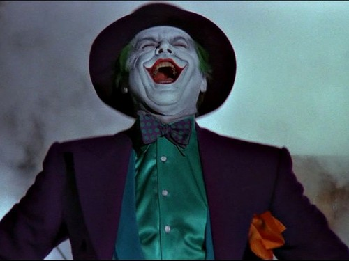 the_joker_laughing_wallpaper_-_800x600.jpg