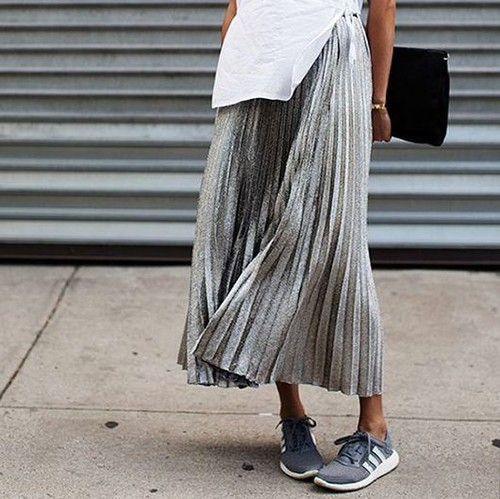 inspirations-fall-mood-grey-streetstyle-midiskirt-