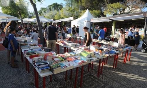 feira do livro.jpg