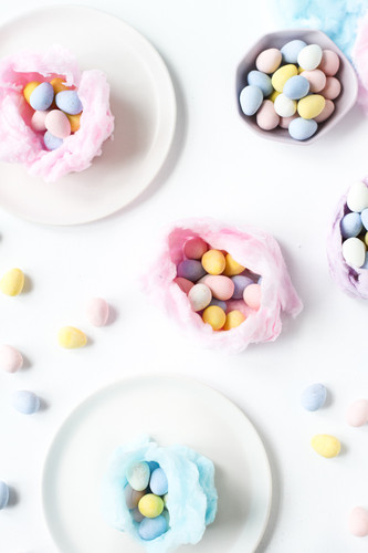 closeup-colorful-candy-nests-easter-4.jpg