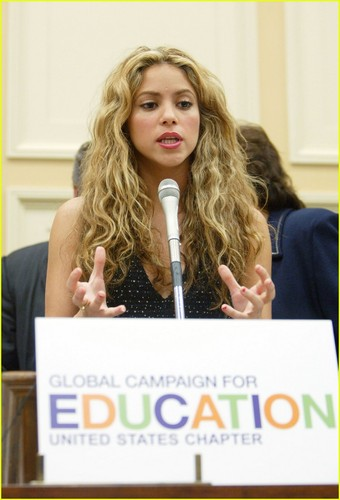 shakira-global-campaign-education.jpg