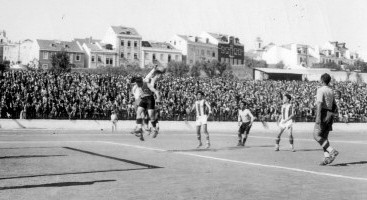 1934-35-belenenses-4 fcb 2 taça inauguração.jpg