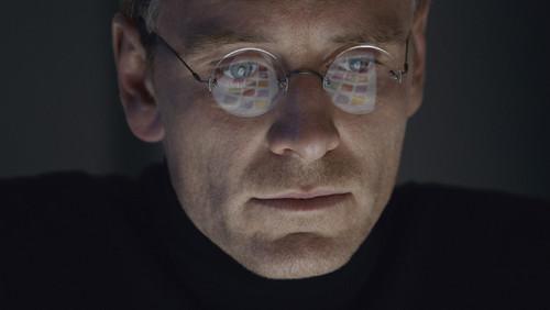 steve-jobs-movie-2015-holding.jpg