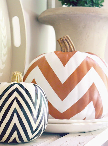 DIY chevron pumpkins halloween-orange and black.jp