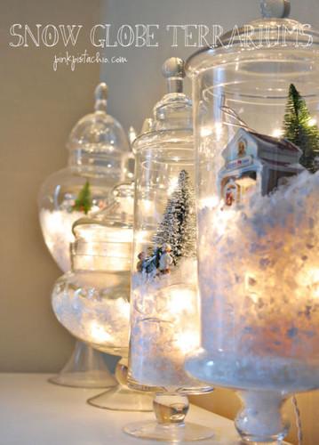 gallery-1448310072-snow-globes.jpg