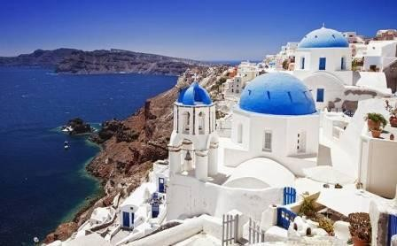 Greece-Santorini-ISTOCK.jpg