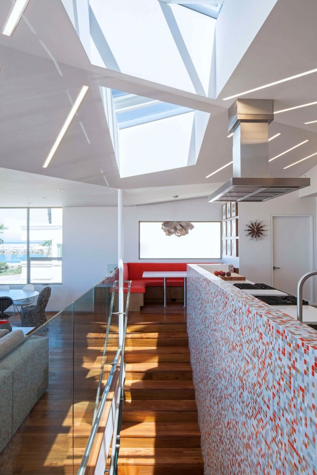 Silver-Strand-Beach-House-07-850x1275.jpg