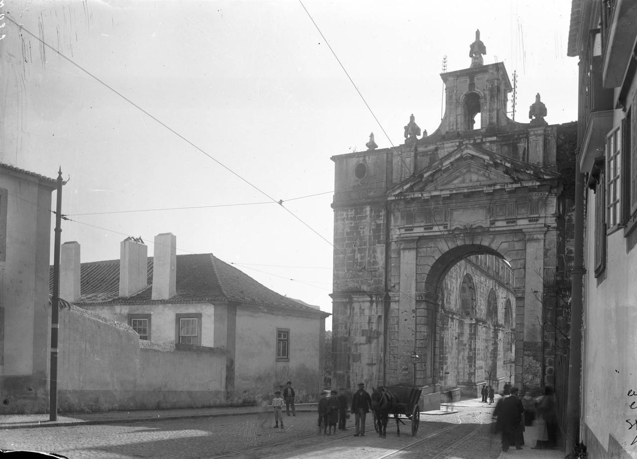 Arco das Amoreiras, n i.jpg