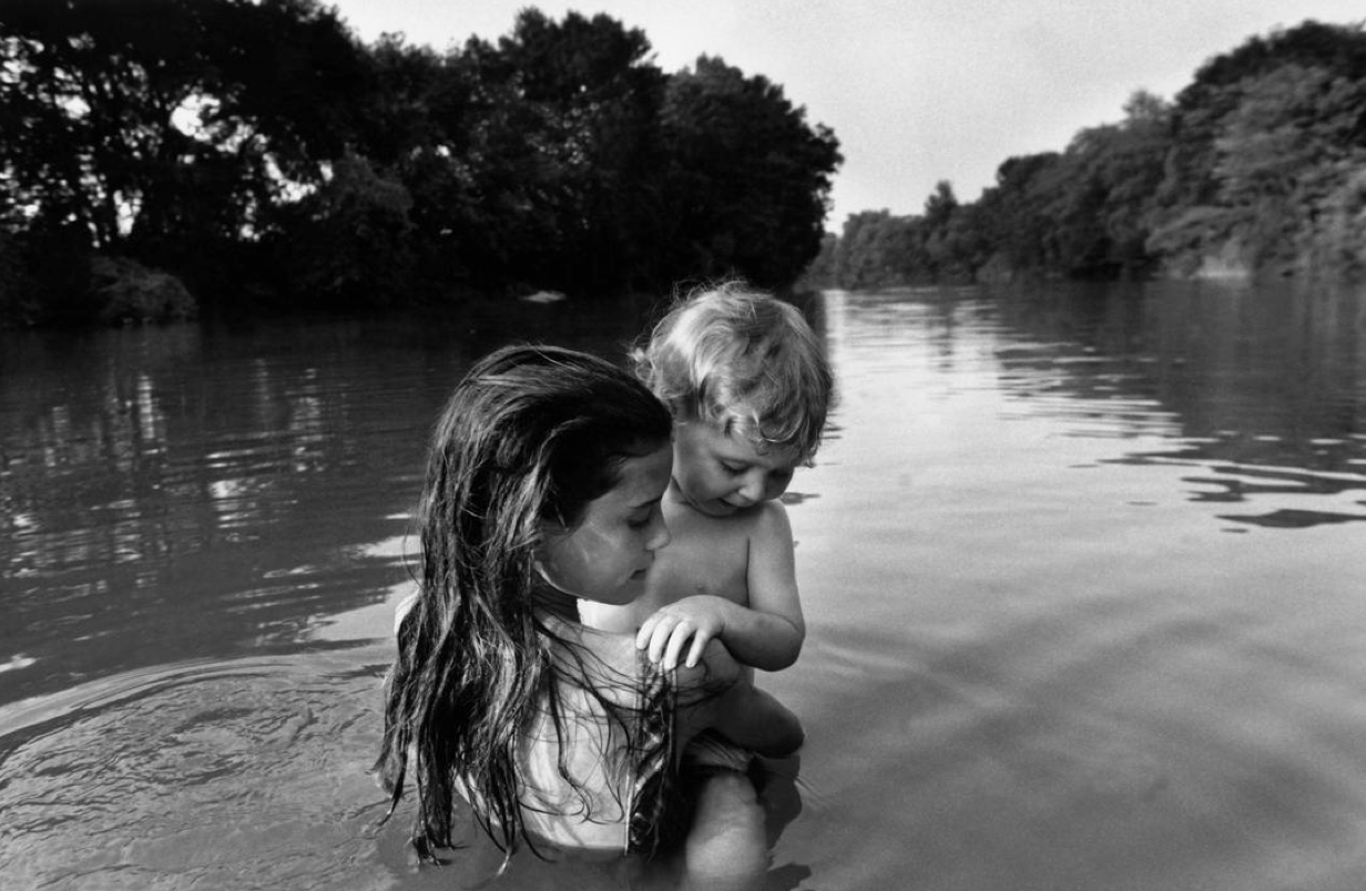 05 - Larry Towell.png