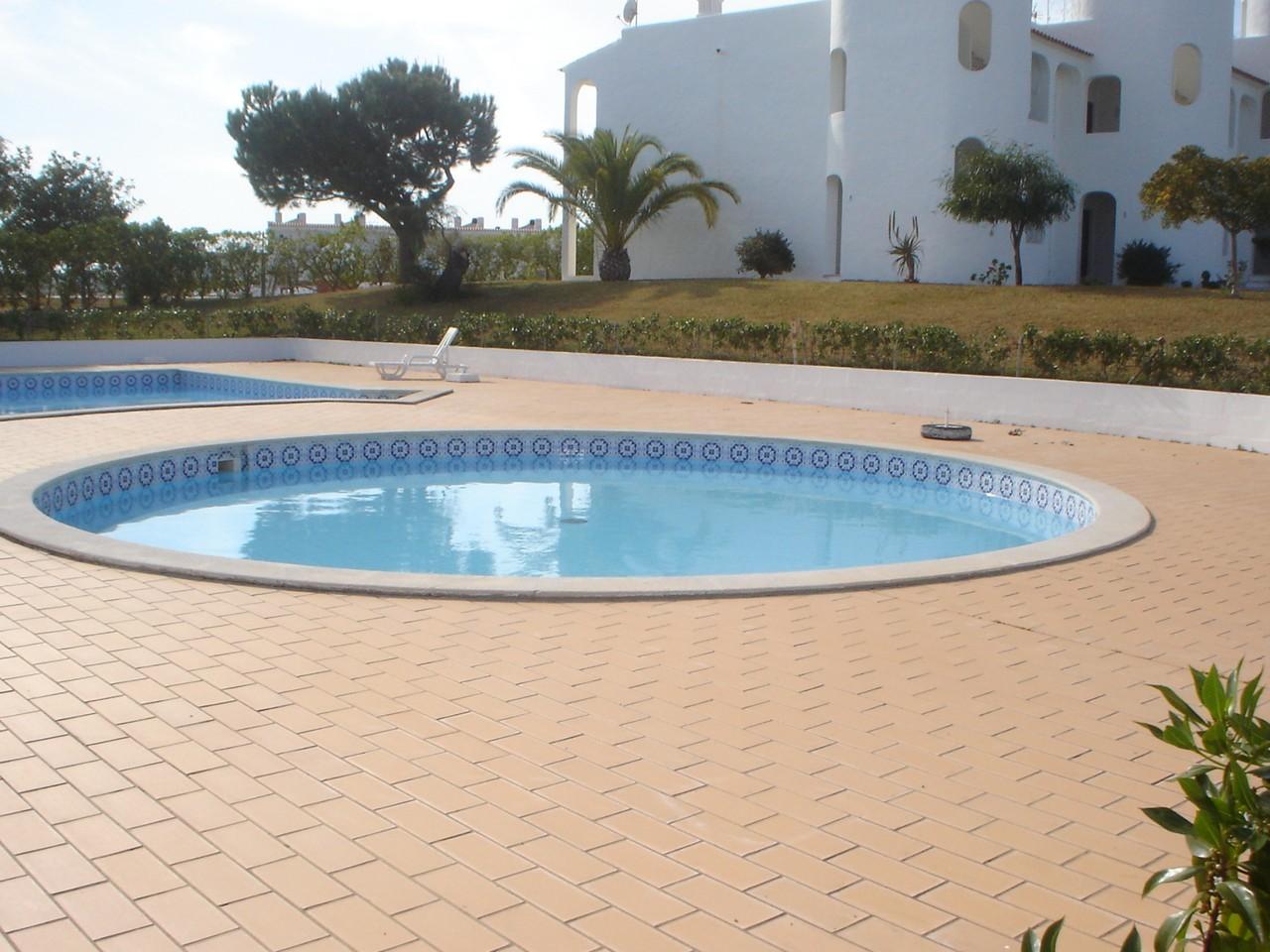 piscina pequena.jpg