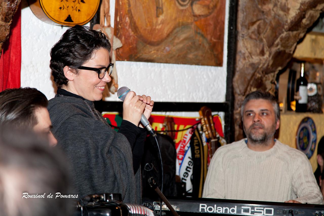 Ana Laíns na Taverna (003)