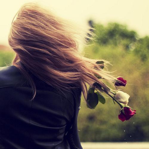 menina_tumblr_we_heart_it_girls_young_rose_rosas_v