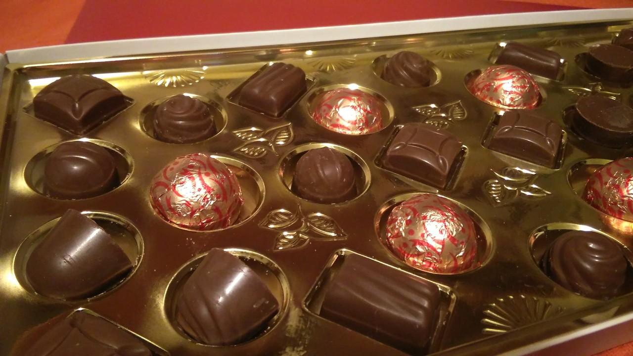 caixa-de-chocolates-para-organizador-de-bijuteria