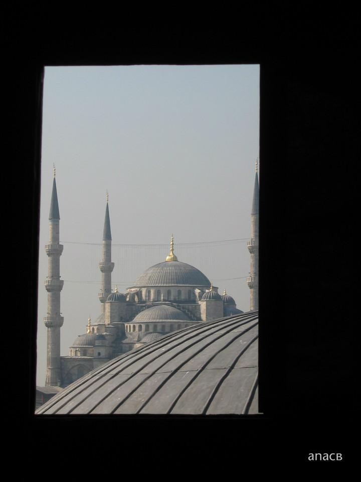 ao acaso #37 a Mesquita Azul vista de Santa Sofia.