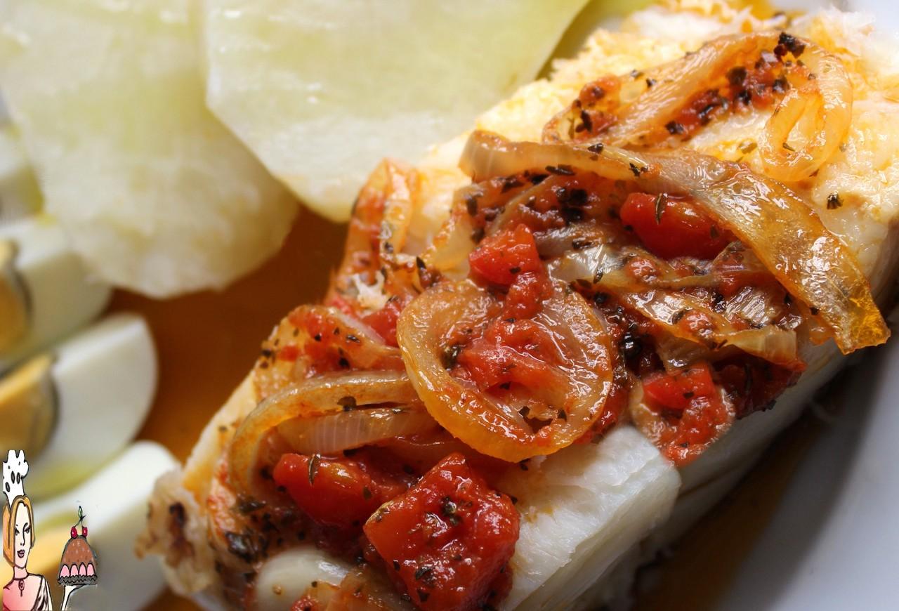 bacalhau com tomate e orégãos