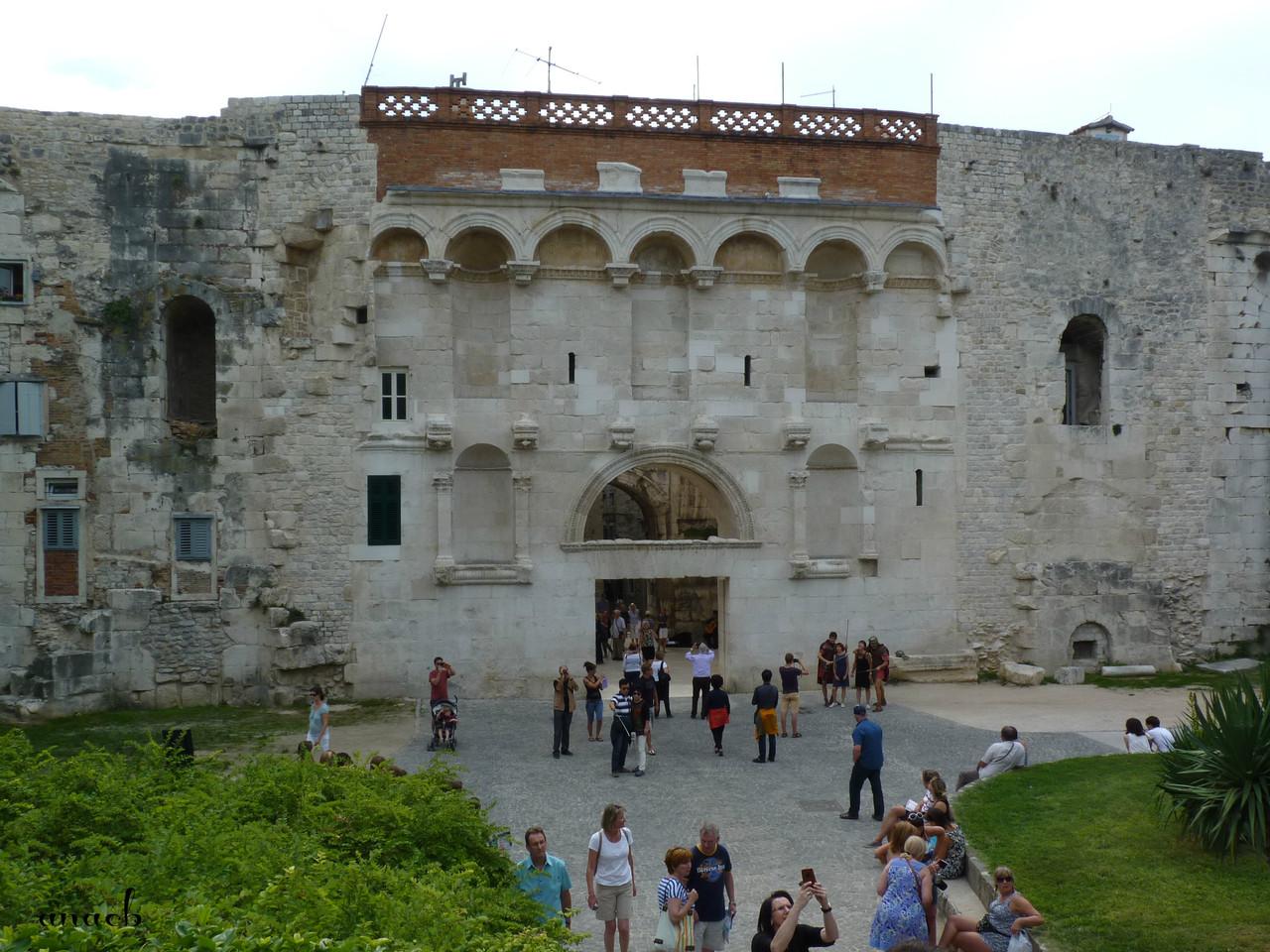 Croácia-Split-Porta Áurea 1.jpg