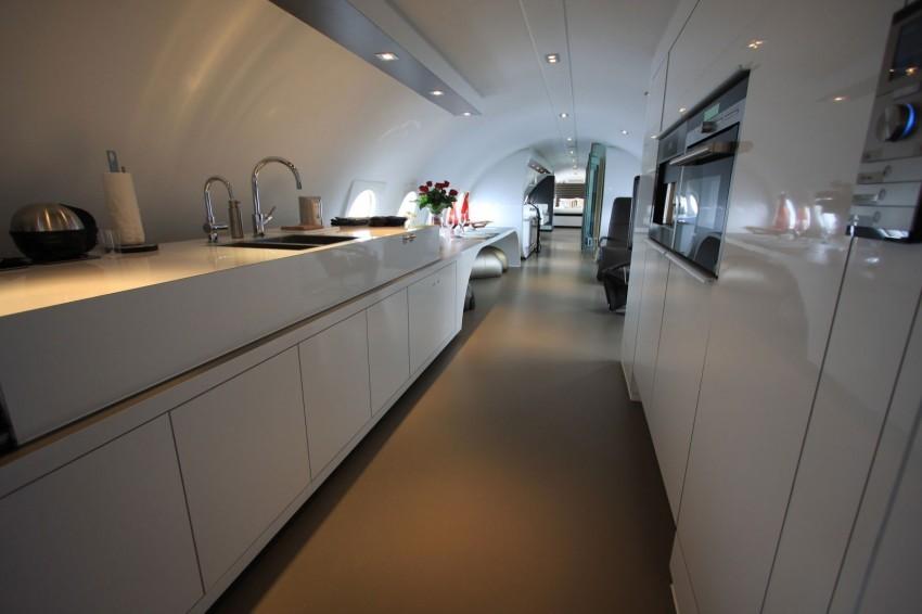 Airplane-Suite-09-850x566.jpg