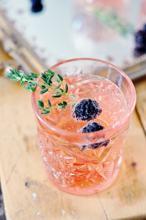 blackberry-thyme-cocktail_3-480x722.jpg