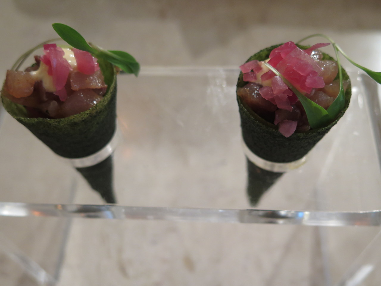 'Corneto' de carapau picante com pickles e maionese fumada