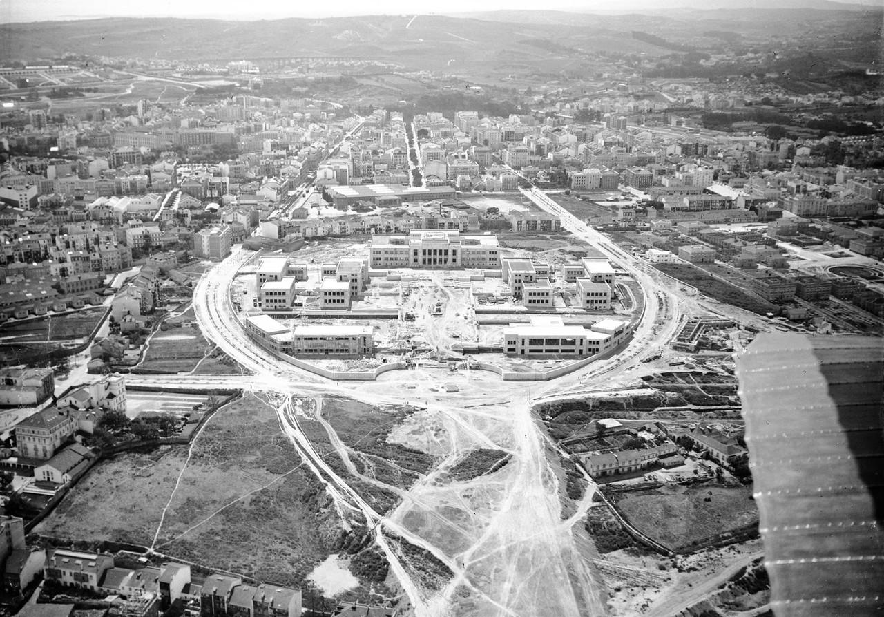 Fotografia aérea do instituto Superior Técnico e