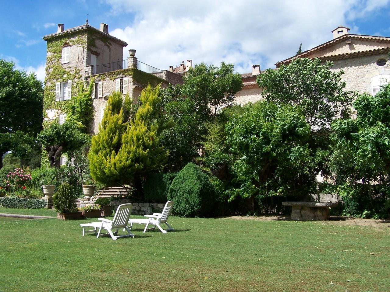 Chateau_de_la_colle_noire.jpg