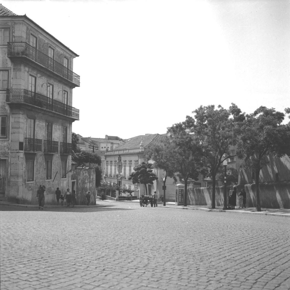 Rua da Alameda dos Capuchos, Lisboa (J. Benoliel, c. 1953)