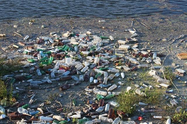 bottles-87342_640.jpg