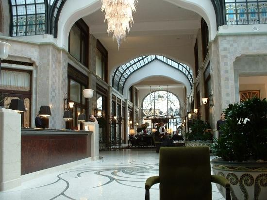 four-seasons-hotel-gresham.jpg