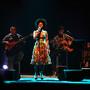 Cantora apresentou o novo disco no Teatro Tivoli