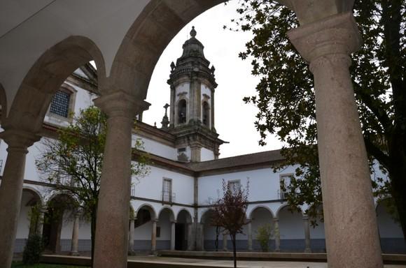 Claustros do Mosteiro de S. Miguel de Refojos - ed