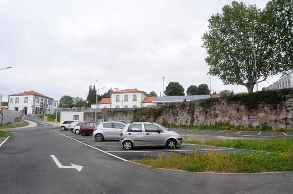 Novo Parque de estacionamento vai ser de utilizaç