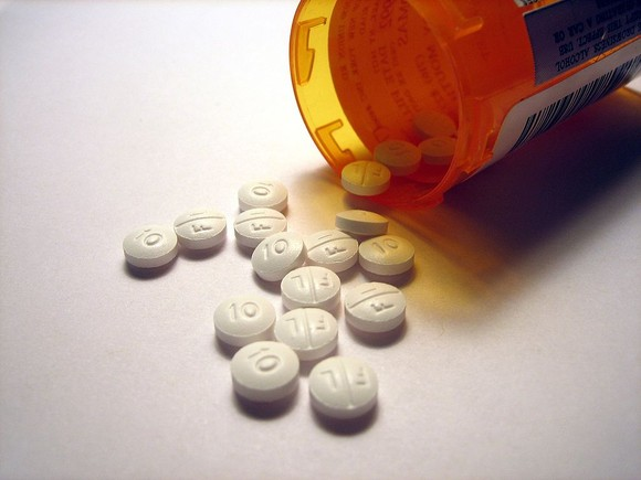 D:\Trabalho\My Pictures\1024px-Lexapro_pills.jpg
