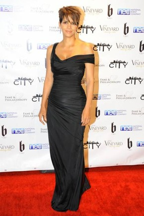 ap543561270288-halle-berry-fame-and-philanthropy-b