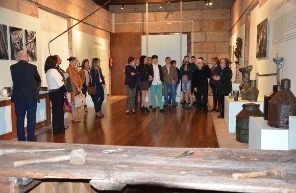 Visita à exposição sobre a Latoaria no Museu da