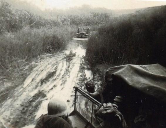 Angola61-picadas da lama.jpg