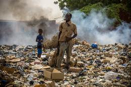 Niamey-lixo-na-cidade-2.jpg