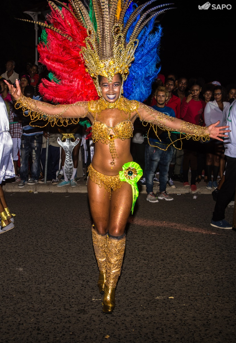 Desfile Samba Tropical 2016