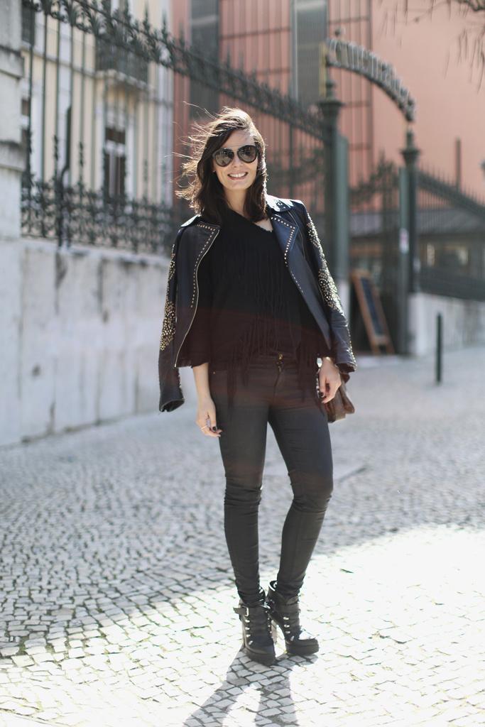 street_style_en_lisboa_primeros_looks_de_primavera_543450008_683x1024